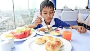 059_Child_Diet_Eating_Thinkstk_106538908