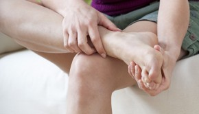 shutterstock_171515921_Woman_Feet_Pain_620px