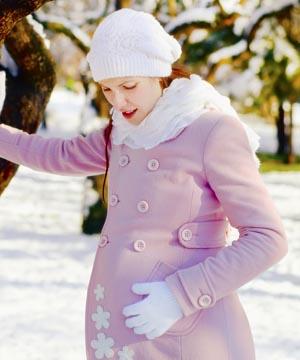 shutterstock_123083218_pregnant_snow_300px
