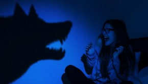 shutterstock_138658697_wolf_scaring_lady_620px