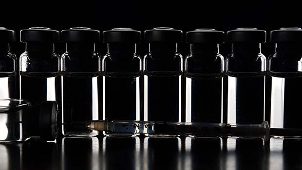 shutterstock_129944117_expired_insulin_620px