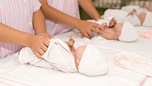 shutterstock_208386961_Early_Babies_greater_T1D_risk_300px